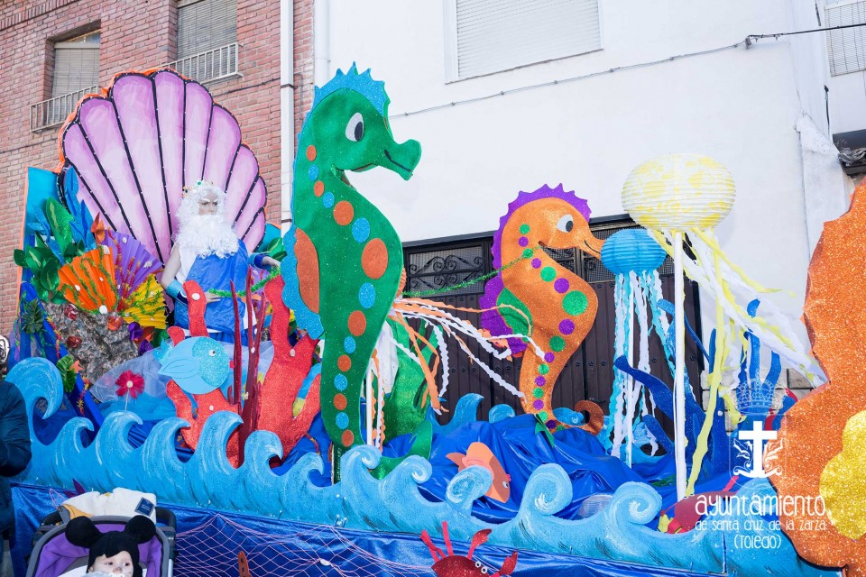 Gran desfile de comparsas en el Carnaval 2017