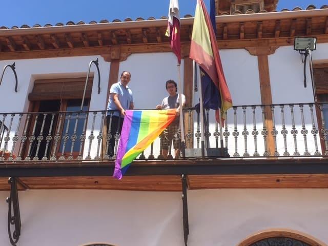 Santa Cruz de la Zarza se suma a la reivindicación de los derechos del colectivo LGTBI
