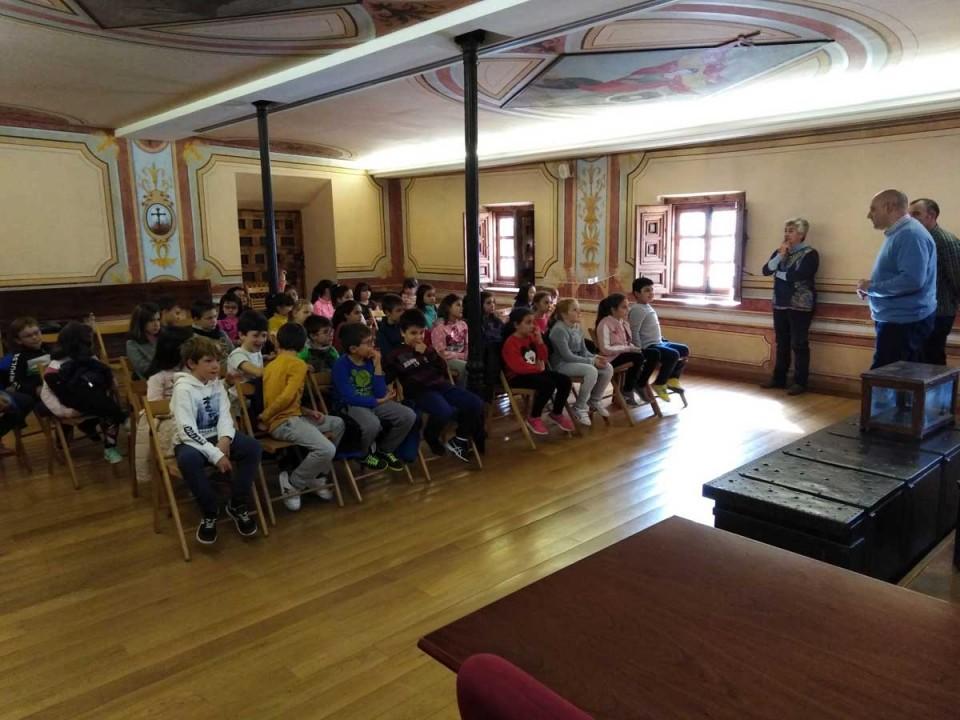 Visita de los alumnos y alumnas de Tercero de Primaria, del Colegio Público