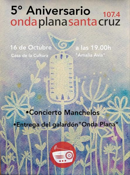 Fiesta aniversario de la emisora local Onda Plana Santa Cruz